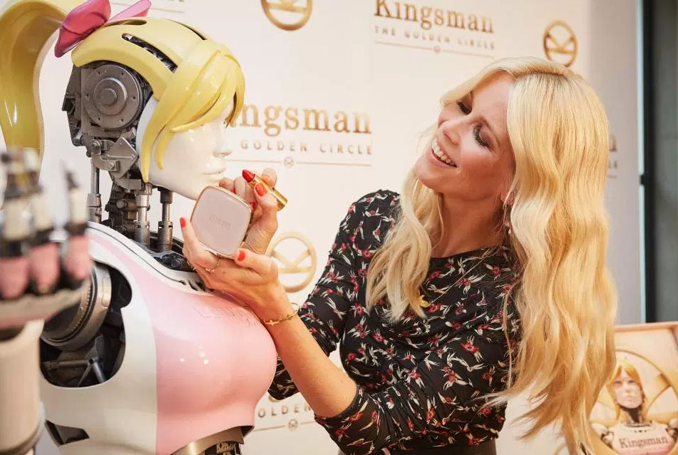 beauty-bot-kingsman-claudia-schiffer